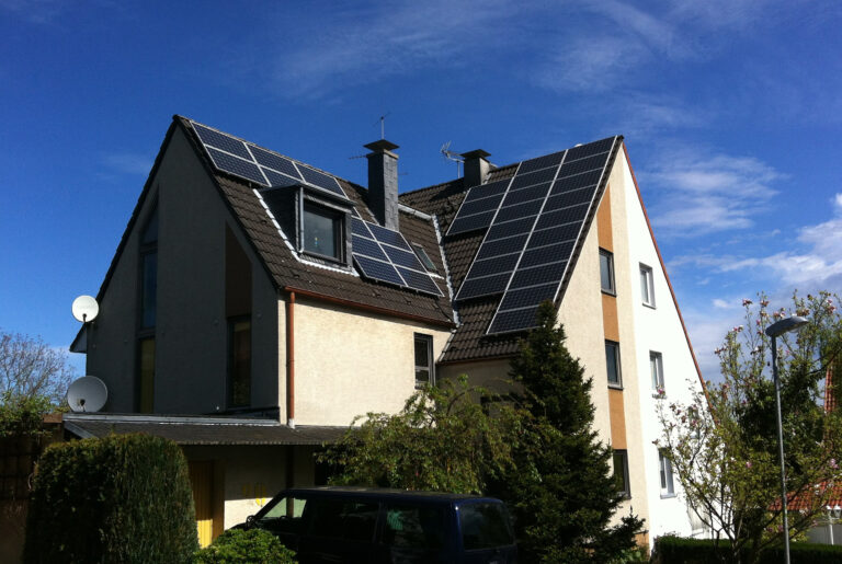photovoltaic-1634595_1920